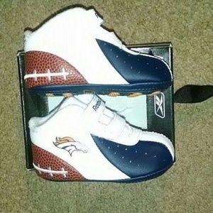 Vintage Leather Denver Broncos Football Logo Shoes